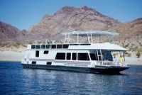 The 70′ Silver Millennium Houseboat